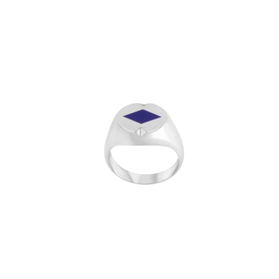 Image of Audrey Diamond Silver Signet Ring from NIOMO's Signet Collection with dark blue gemstone called lapis lazuli, cut in diamond shape. The ring is made of solid 925 sterling silver and available in different sizes.